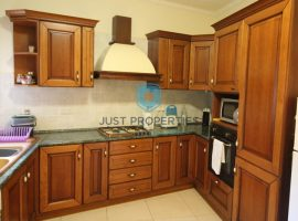 ST PAUL'S BAY - Good sized three bedroom apartment with use of roof - For Sale
