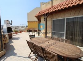 QAWRA - Spacious two bedroom penthouse with sunny terrace - To Let