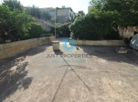 MELLIEHA - Very well kept fully detached Villa - For Sale