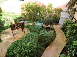 QAWRA - Fully detached four bedroom villa with surrounding garden - For Sale