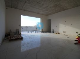 ZEBBIEGH - Penthouse enjoying country views from spacious terrace - For Sale