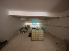 MOSTA - Seven car street level garage - For Sale