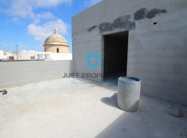 MGARR - Good sized two bedroom Penthouse with views - For Sale