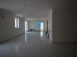 MOSTA - Bright and spacious corner three bedroom apartment - For Sale