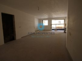 SIGGIEWI - Highly finished three bedroom apartment with backyard- For Sale