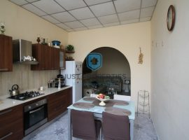 ST PAUL'S BAY - Furnished maisonette with street level garage - For sale