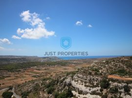 MELLIEHA - Highly finished spacious apartment enjoying views from terrace - For Sale