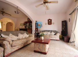 BUGIBBA - Very spacious well kept older type apartment - For Sale