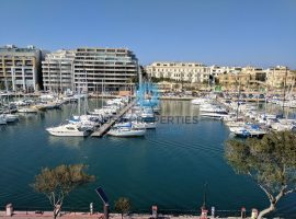 PIETA - Furnished seafront apartment enjoying views of the marina - To Rent