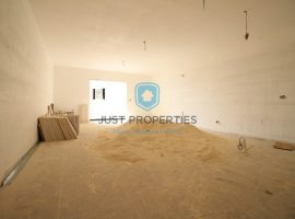 SLIEMA - Spacious three bedroom apartment situated close to the promenade - For Sale
