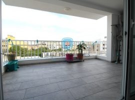 BALZAN - Very spacious modern three bedroom apartment with good sized terrace - For Sale