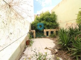 BIRKIRKARA - Centrally located ground floor unconverted maisonette with back garden - For Sale