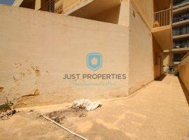 QAWRA - Semi-detached maisonette with underlying garage - For Sale