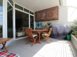 GHARGHUR - Spacious apartment enjoying a nice terrace and interconnected garage - For Sale