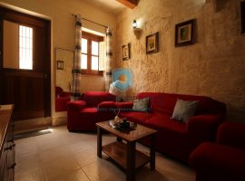 DINGLI - Converted House of Character in Village center - For Rent