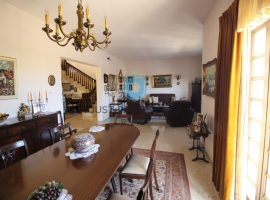 ATTARD - Villa situated in a very good location enjoying country views - For Sale