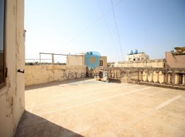 ZEBBUG - Wide fronted Terraced House with large street level garage - For Sale