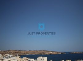ST PAUL'S BAY - Very well semi finished triplex Penthouse - For Sale